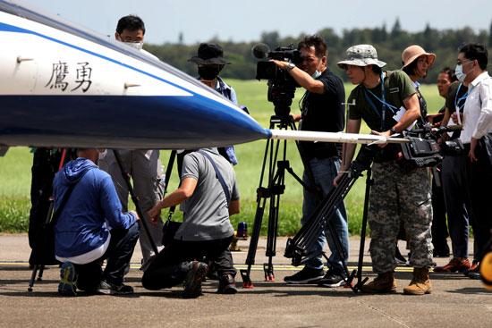 تصوير الطائرة الجديدة