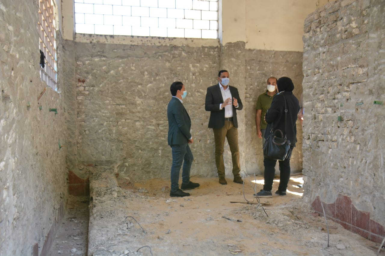 محافظ الدقهلية خلال تفقده مشروعات بالمنصورة (3)