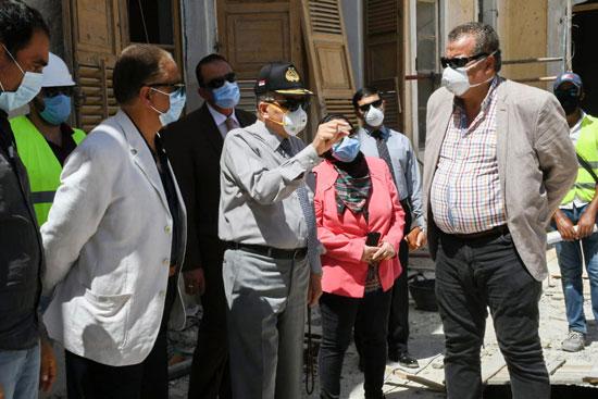 الفريق أسامة ربيع يتفقد مشروع متحف قناة السويس  (2)