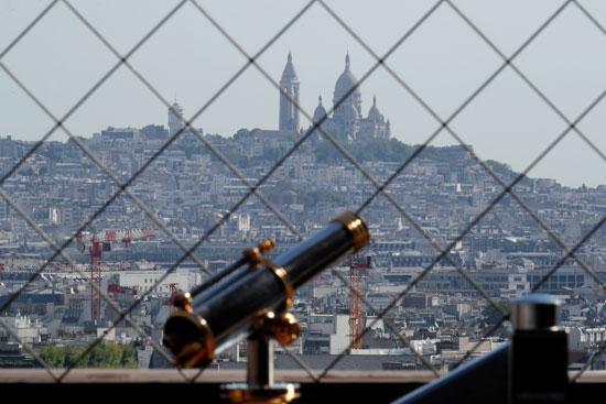معالم باريس من داخل برج ايفل