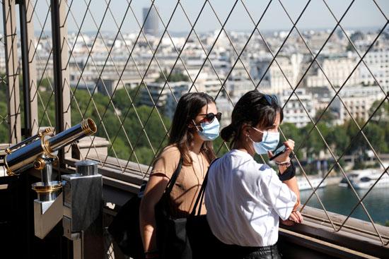 مشاهدة معالم باريس من فوق برج ايفل