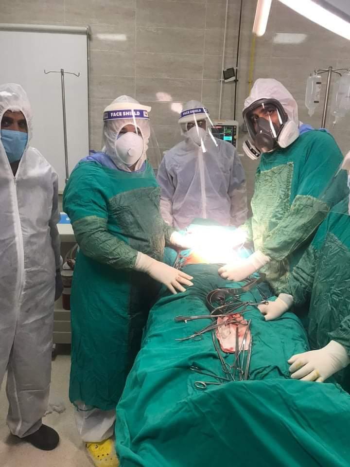 جانب من العملية الجراحية داخل مستشفى الأقصر العام