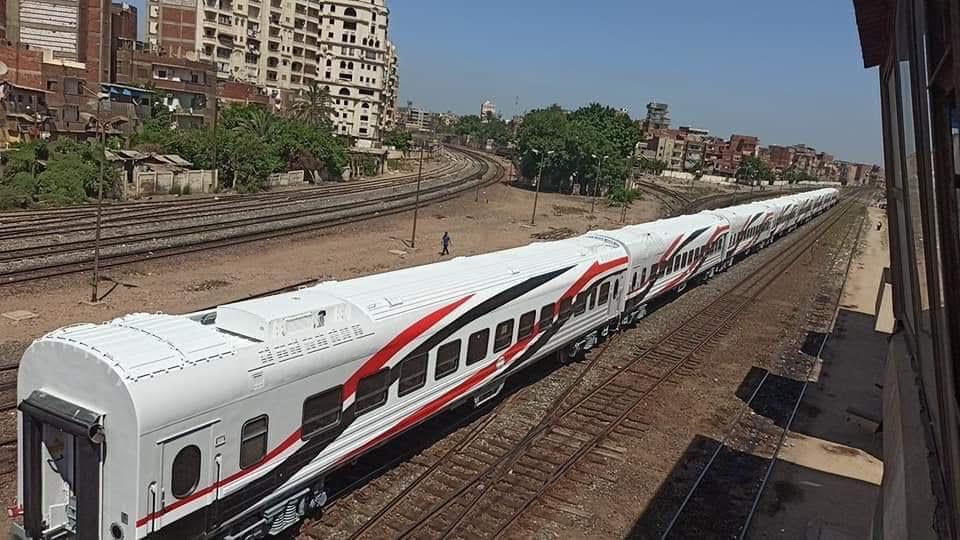 السكة الحديد تنقل أول دفعة عربات روسية جديدة لورش القاهرة استعدادا لتشغيلها  (4)