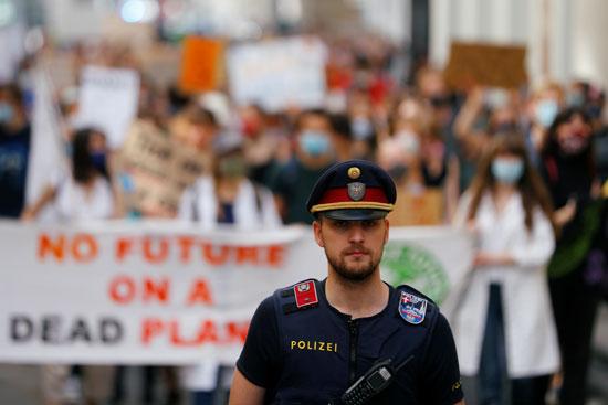 رجل-شرطة
