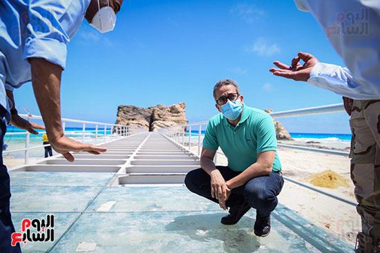 الدكتور خالد العنانى (12)