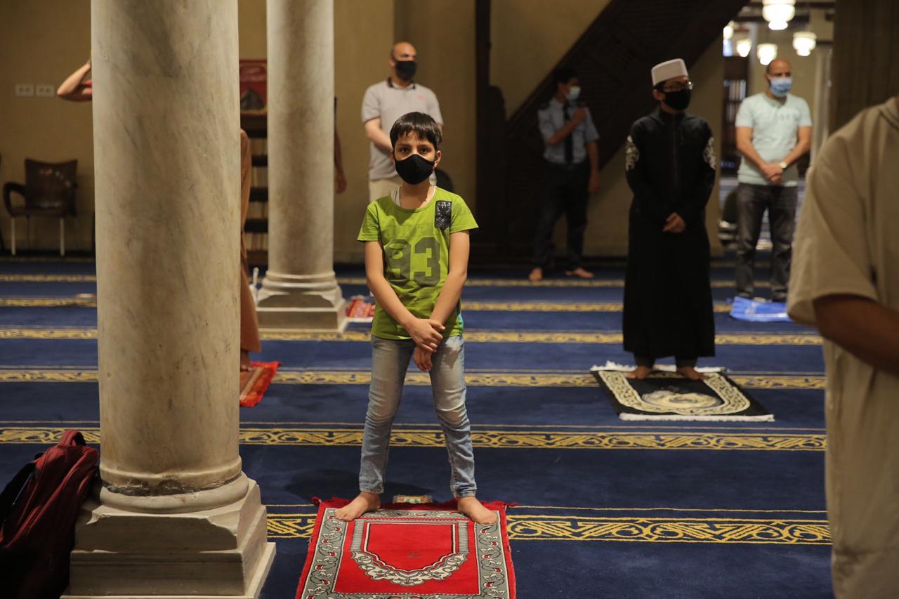 صلاة العشاء بمسجد الأزهر اليوم (4)