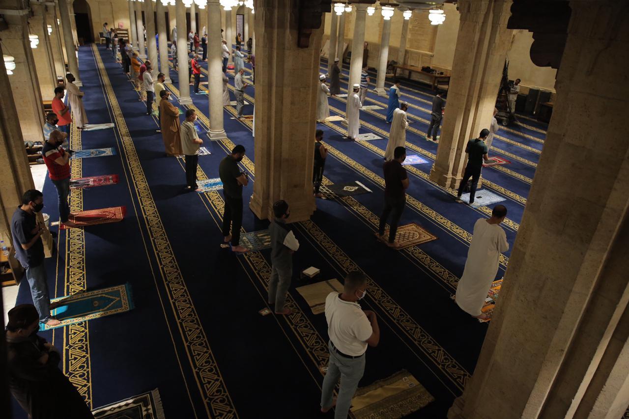 صلاة العشاء بمسجد الأزهر اليوم (19)