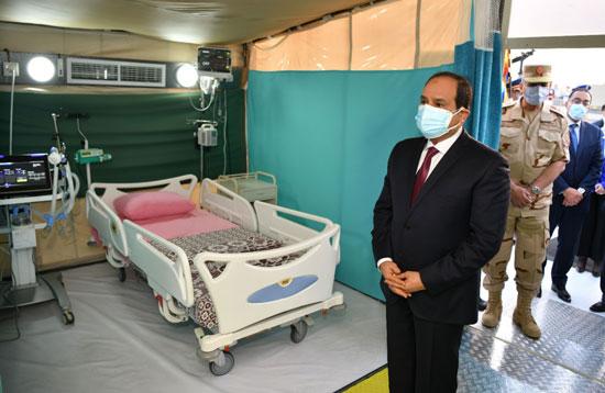 ننشر صور تفقد الرئيس السيسى تجهيزات القوات المسلحة للعزل الصحى (1)