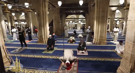 لقطات الاستعداد لصلاة الفجر من الجامع الأزهر