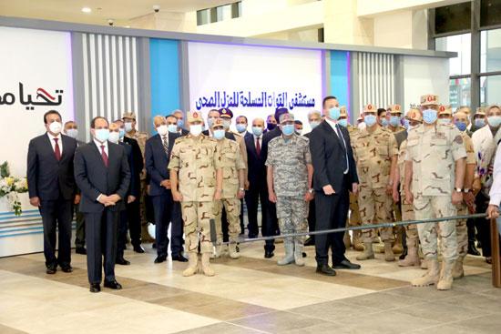 ننشر صور تفقد الرئيس السيسى تجهيزات القوات المسلحة للعزل الصحى (3)