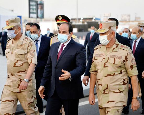 ننشر صور تفقد الرئيس السيسى تجهيزات القوات المسلحة للعزل الصحى (11)