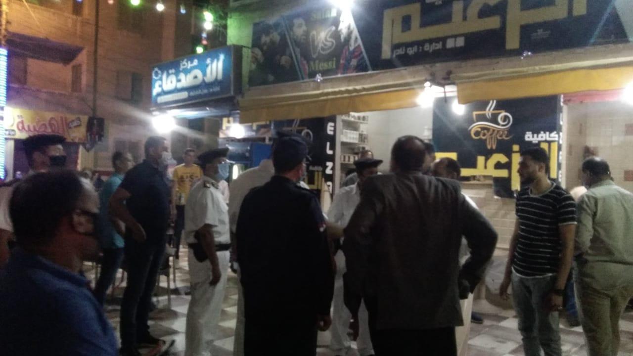 غلق أول مقهى مخالف بمدينة كفر الشيخ لعدم حظره الشيشة (6)