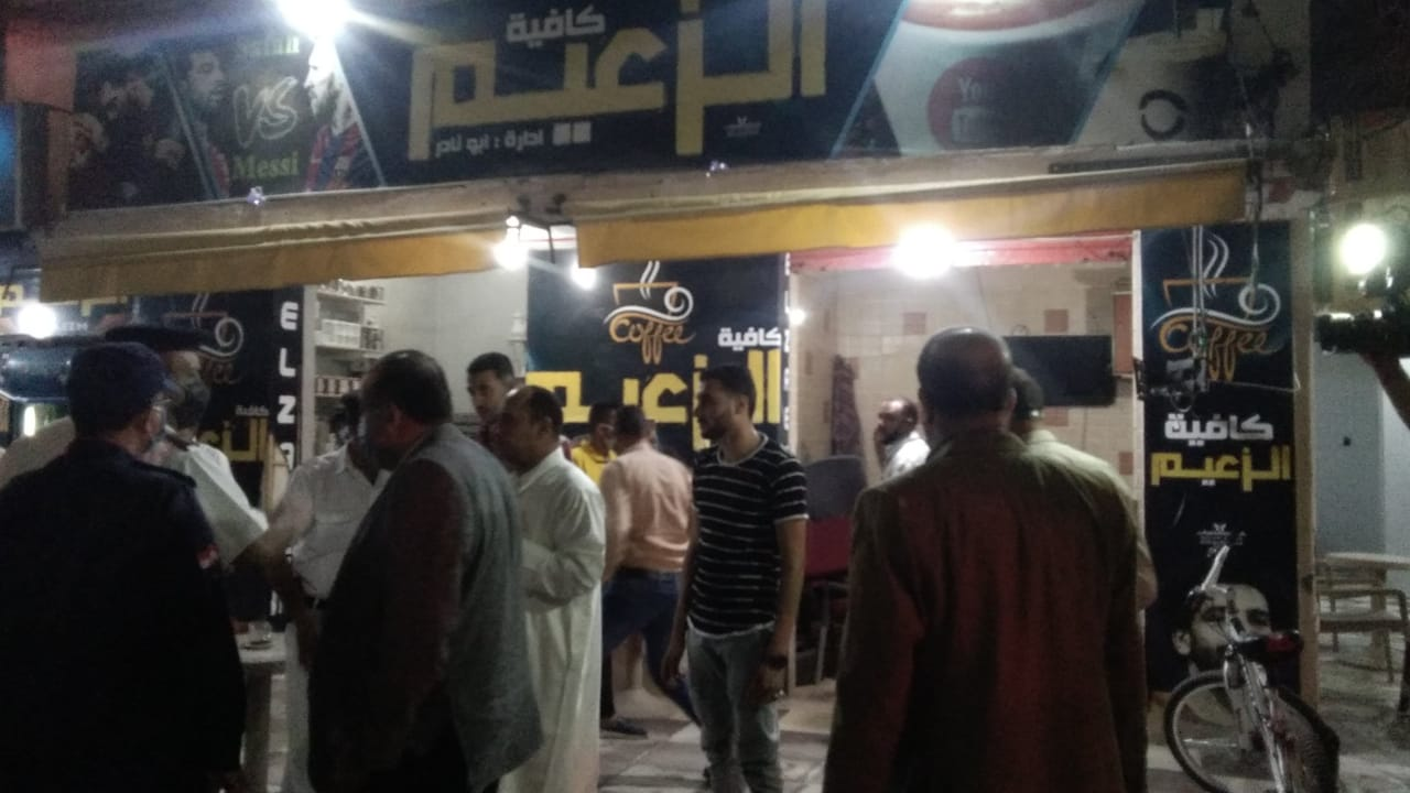 غلق أول مقهى مخالف بمدينة كفر الشيخ لعدم حظره الشيشة (5)