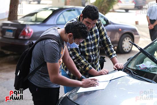 طالبان قبل الامتحان