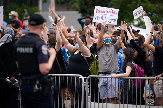 مظاهرة ضد عنصرية الشرطة ضد أصحاب البشرة السمراء