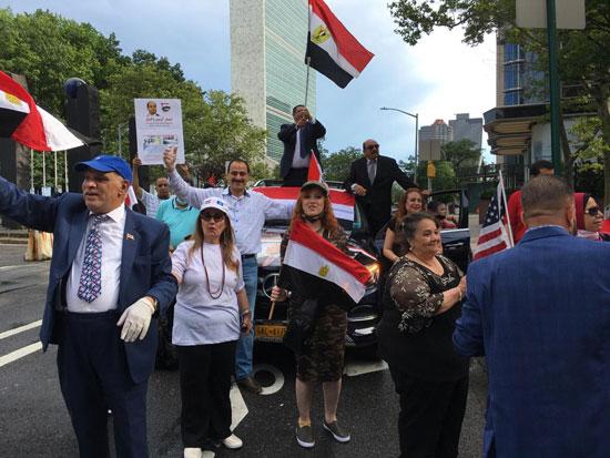 الجالية المصرية بنيويورك تحتفل بذكرى ثورة 30 يونيو أمام الأمم المتحدة (2)