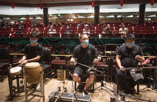 فرقة موسيقية فى ووهان