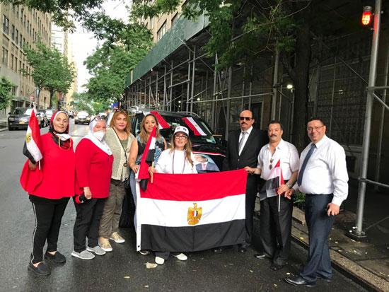 الجالية المصرية بنيويورك تحتفل بذكرى ثورة 30 يونيو أمام الأمم المتحدة (12)