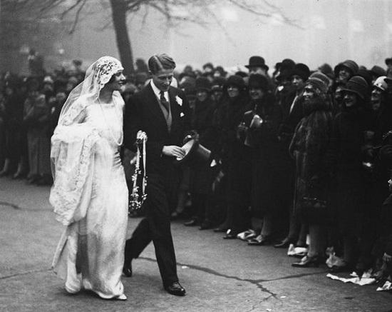 الـ flapper-style dresses في العشرينات