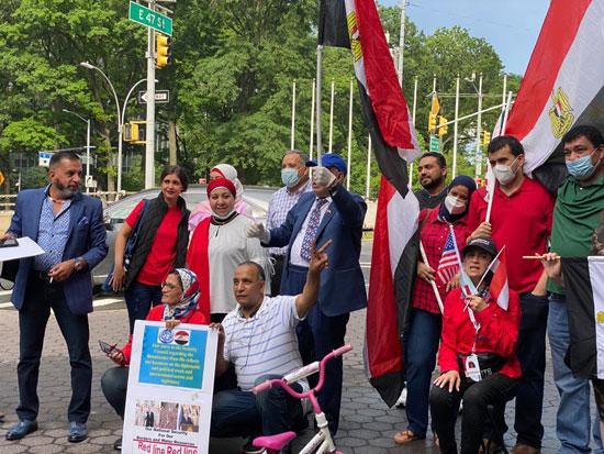 الجالية المصرية بنيويورك تحتفل بذكرى ثورة 30 يونيو أمام الأمم المتحدة (6)