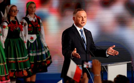 رئيس بولندا خلال مؤتمر إعلامى عقب المؤشرات الاولية