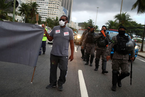تعزيزات-أمنية-لتفريق-المتظاهرين