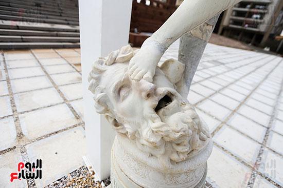 قطعه فنيه خارج القصر