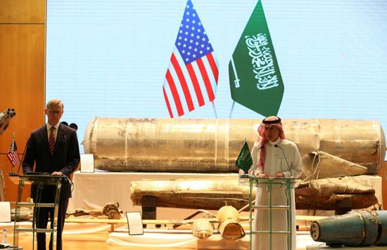مؤتمر صحفى  للجبير مع الممثل الأمريكى الخاص بشئون إيران وكبير مستشارى السياسات لوزير الخارجية الأمريكى براين هوك (3)