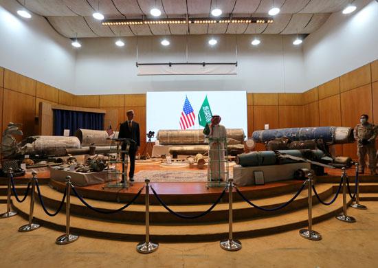 مؤتمر صحفى  للجبير مع الممثل الأمريكى الخاص بشئون إيران وكبير مستشارى السياسات لوزير الخارجية الأمريكى براين هوك (10)