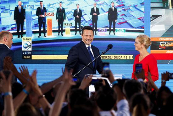 رافال ترزاسكوفسكى منافس الرئيس البولندى فى الانتخابات