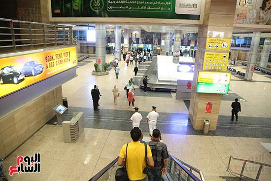 مطار القاهره (10)