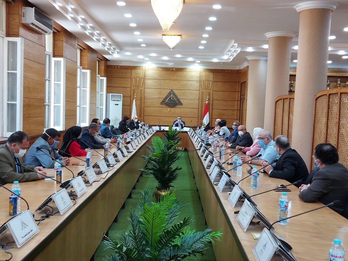 مجلس جامعه بنها (4)