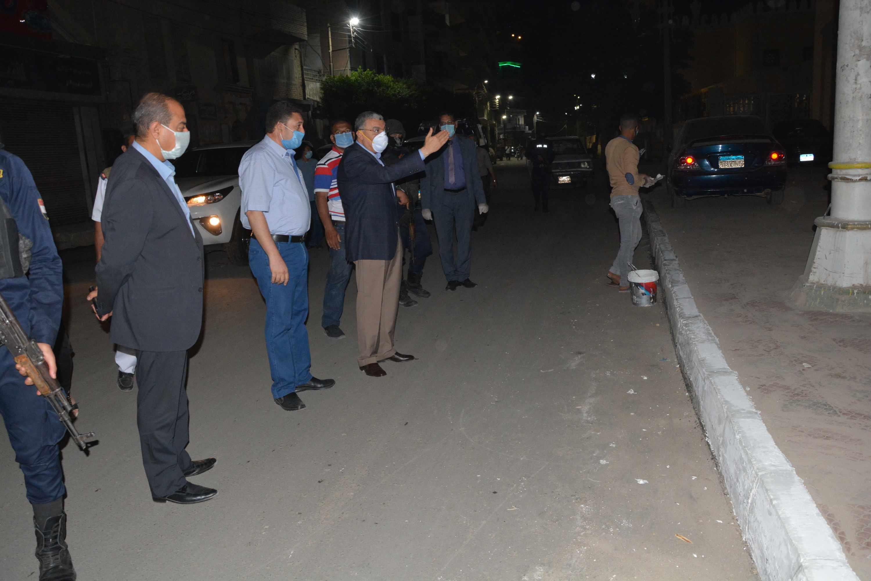 محافظ المنيا يتابع أعمال رصف شارعي سعد زغلول (7)