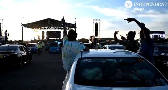 احتفالات بتخفيف القيود فى سريلانكا