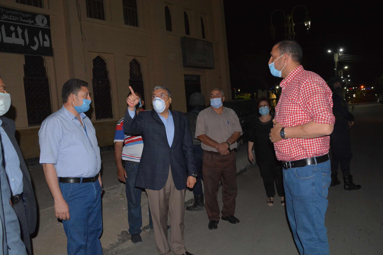محافظ المنيا يتابع أعمال رصف شارعي سعد زغلول (6)