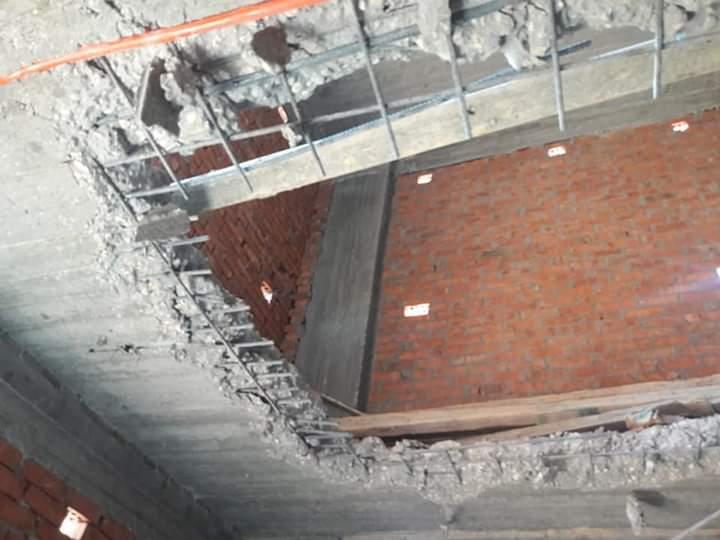 إزالة الطابق المخالف.