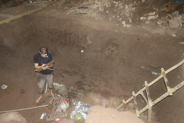 خلال أعمال الحفائر (3)