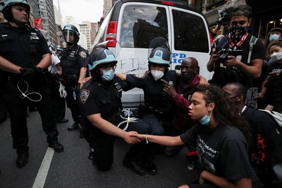 جانب من الاحتجاجات فى نيويورك
