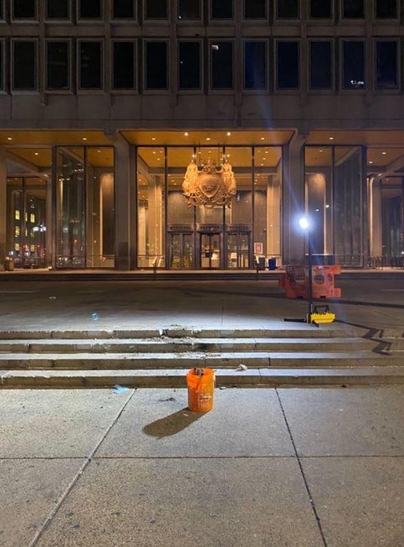 إزالة تمثال فرانك ريزو المثير للجدل بفيلادلفيا (2)