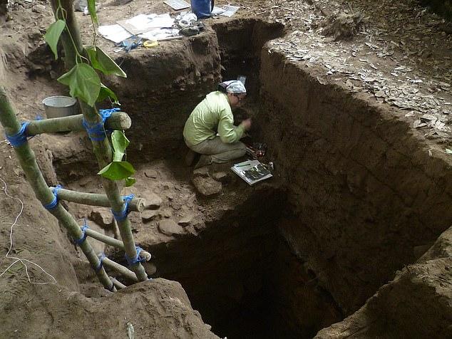 خلال أعمال الحفائر (2)