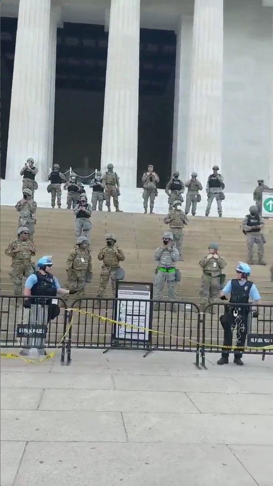 2020-06-03T015837Z_343114158_RC2D1H9HI77V_RTRMADP_3_MINNEAPOLIS-POLICE-PROTESTS