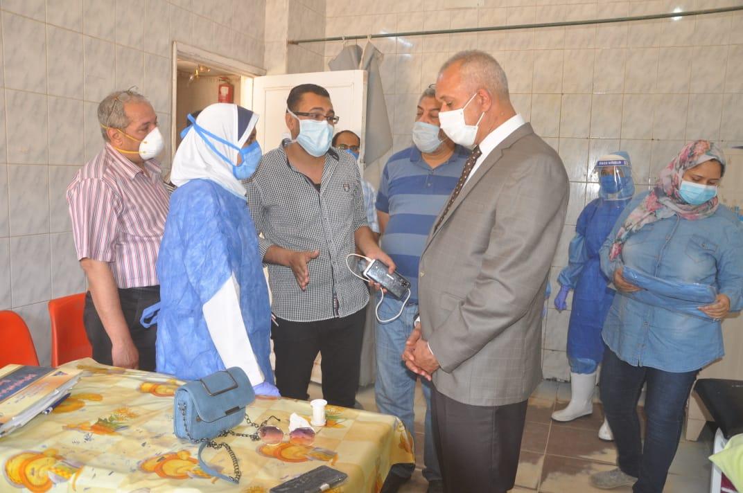 السكرتير العام خلال زيارته الميدانية للمستشفى  (6)