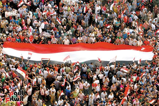 فرحة-ميدان-التحرير-بعد-بيان-السيسى-تصوير-أحمد-إسماعيل-1-7-2013-(11)