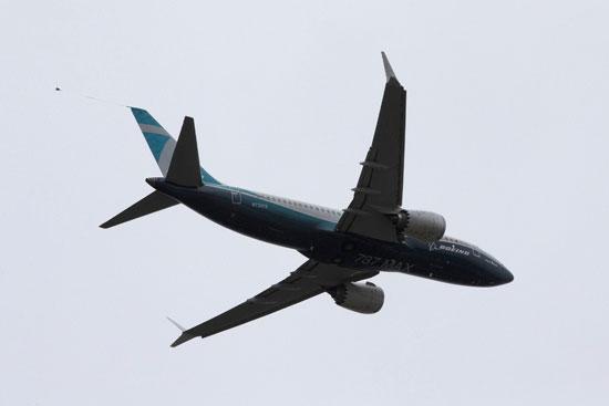 طائرة بوينج 737 ماكس في رحلة تجريبية