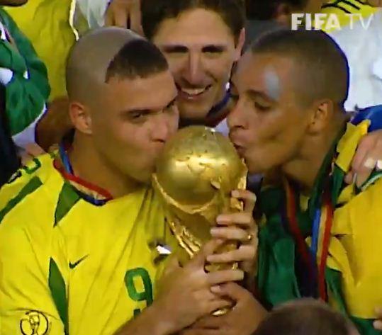 ذكرى تتويج البرازيل بكاس العالم