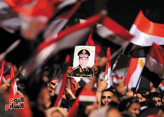 2013-07-03T211118Z_939647493_GM1E9740E8S01_RTRMADP_3_EGYPT-PROTESTS