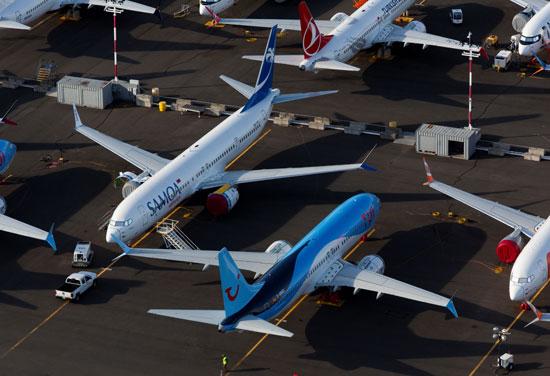 بوينج 737 على الأرض
