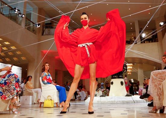 فستان أحمر مميز