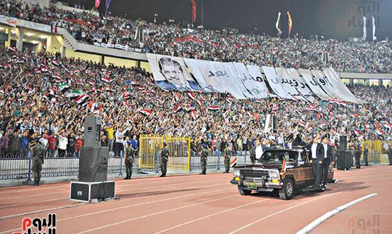 2012-10-06T232518Z_687665525_GM1E8A70KGD01_RTRMADP_3_EGYPT-MURSI-SPEECH