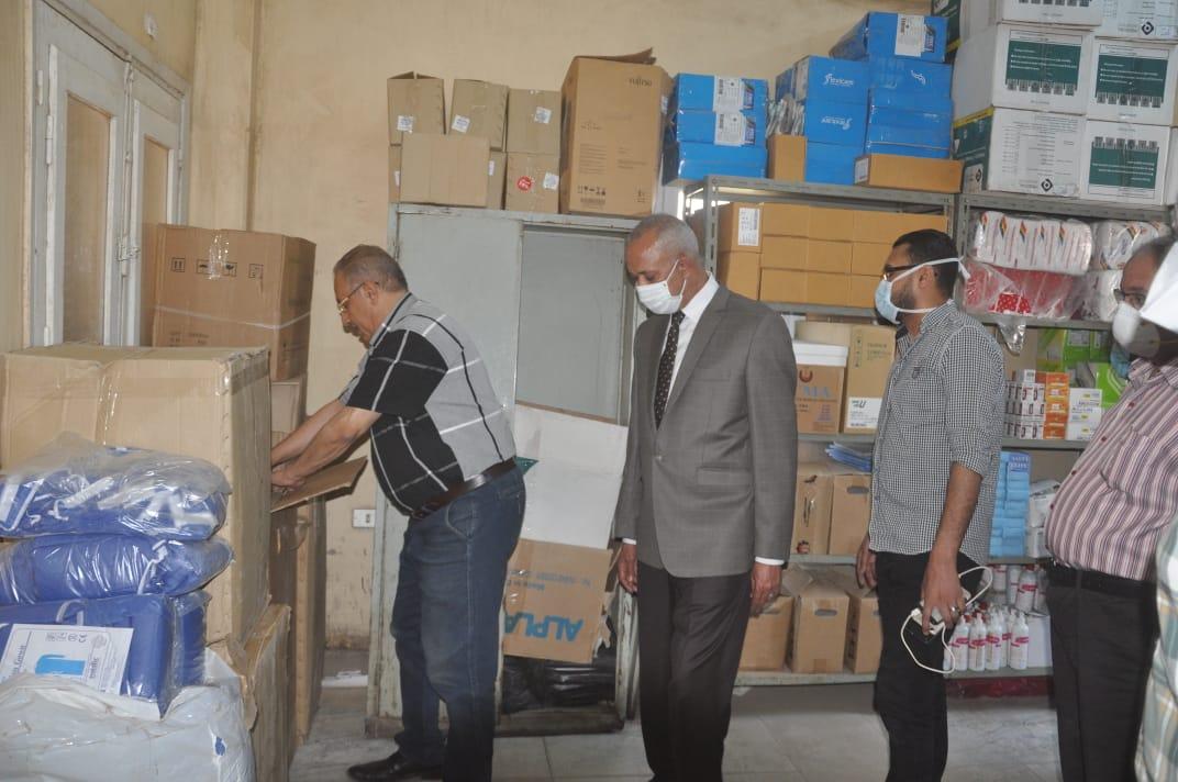 السكرتير العام خلال زيارته الميدانية للمستشفى  (3)